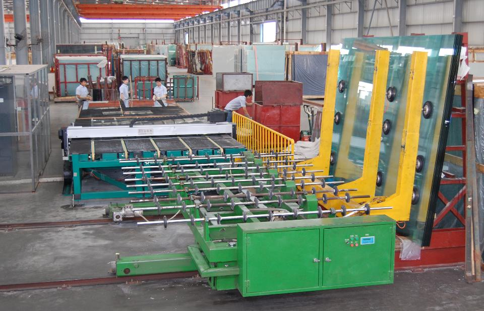 Glass cuttimg machine