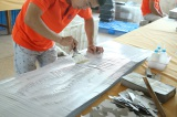 Skilled worker Glues the bag - Jialan Package paper bag supplier