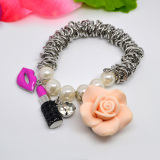 Girl′s pearl bracelet
