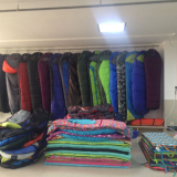 Customer Visiting Sleeping Bag′s Showroom
