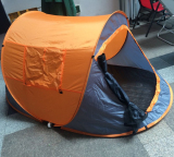 Customer Checking Hot Selling Outdoor Tent 2