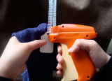 How to use a tag gun? Step 2