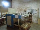 Wood grooving machine