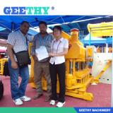 Clinch a deal the customers in the Canton fair Bonnie Wang