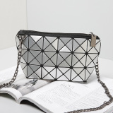 3X6 Silver Rhombic Geometry PU Chains Women′s Shoulder Bag
