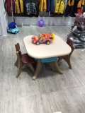Plastic table and chair4