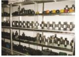 Torque rod sample room
