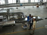 Customers come to the factory inspection