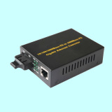 Giga 1000m Fiber Media Converter Built-in Power Supply Mc1004sc