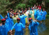 VEISE employees to white water scenic area have fun in Mid-Autumn Festival