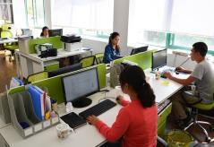 Qingdao Apis Glass Industries Co., Ltd.
