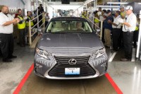 Lexus Unveils First Ever US-Produced Lexus ES 350 in Kentucky