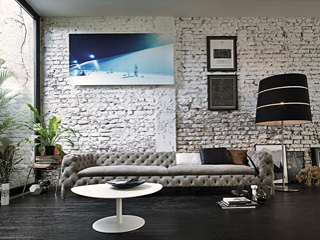 Windsor: Opulent Bespoke Seating with Timeless Italian Panache!
