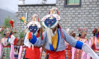 Tibetan Opera Attracts Both Young and Old