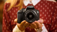 Canon's New Wireless DSLR Is Seriously Budget-Friendly