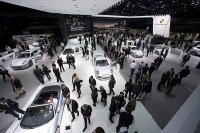 Designers Uemploy Over 2, 000 LED Wash Lights at Frankfurt Auto Show