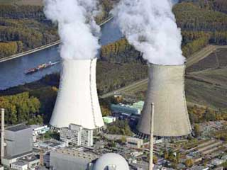 China Vows to Boost Nuclear Power in E. Coasts