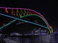 The Sydney Harbor Bridge Became a Giant Lightshow by The Use of 3200 LEDs