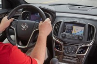Buick Is Adopting The New Apple Carplay Capability for Its 2016 Regal and Lacrosse Models