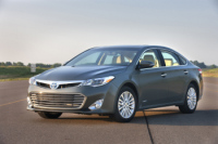 Toyota Motor Has Unveiled The New 2013 Avalon Sedan in Both Gasoline and Hybrid Variants
