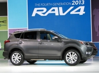 Toyota Introduced The Fourth-Generation RAV4 Without Much Fanfare
