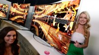 LG's Flexible OLED TV Allows Users to Alter The Curvature to Suit Their Preferences