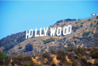 Hollywood Eyes Booming Chinese Market