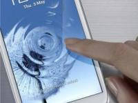 Samsung Galaxy S III's Display Is Thinner and Has a Greater Range of Colours Than iPhone 5