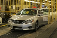 Nissan's Smyrna Plant in US Begins 2016 Altima Production