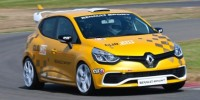 The New Renault Clio Cup Race Car Was Revealed Ahead of 2014 Racing Season
