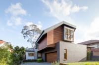 Naremburn House That Shifts Volumes and Geometries