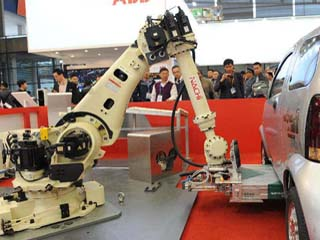 China to Have Most Robots in World by 2017