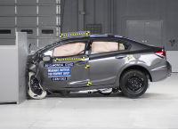 Honda Civic Earn Good Ratings for Ratings for Small Overlap Protection