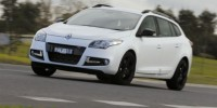 The Renault Megane GT 220 Sport Wagon Looks Like an Blend of Performance and Practiclity