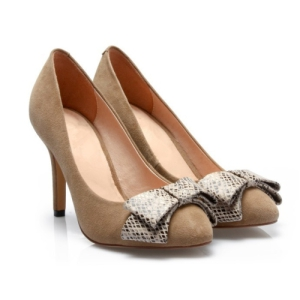 Ponto Toe Senhoras vestido de calçado