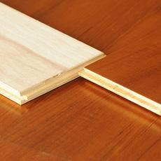 Pavimento de madeira de teca engarrafada