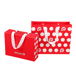 Venda Por Grosso de Recicláveis Personalizadas de Casamento Operadora Comercial Embalagem Kraft Art/Vermelho/ Sacos de Papel Revestido com Alças de Fita