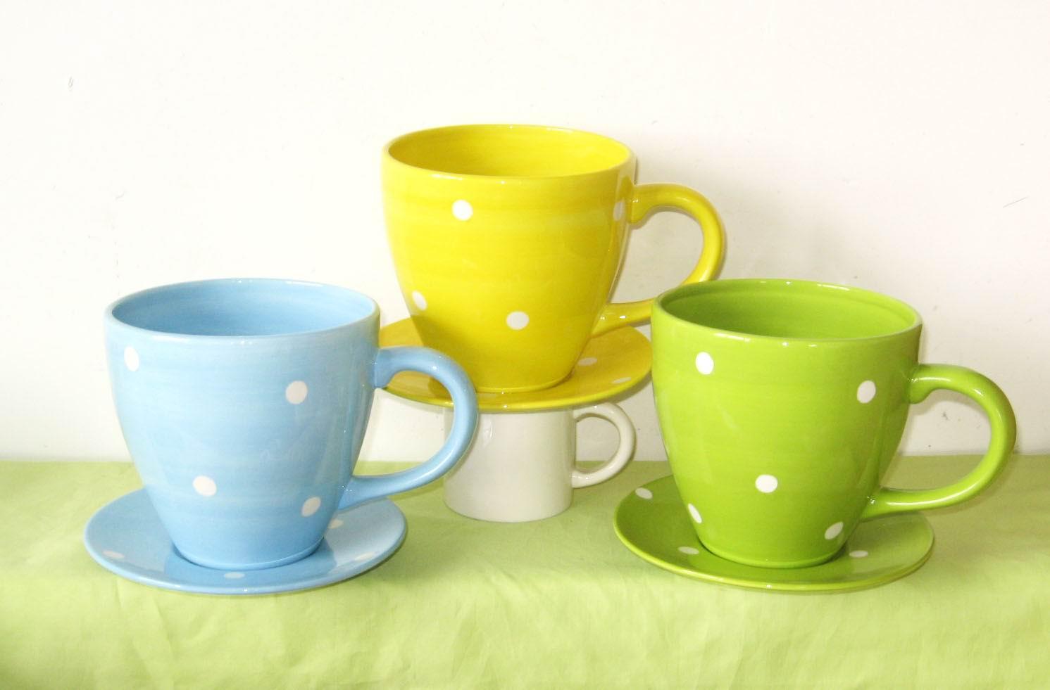 Ceramic flower pots with flowers for 6 ceramic flower pots