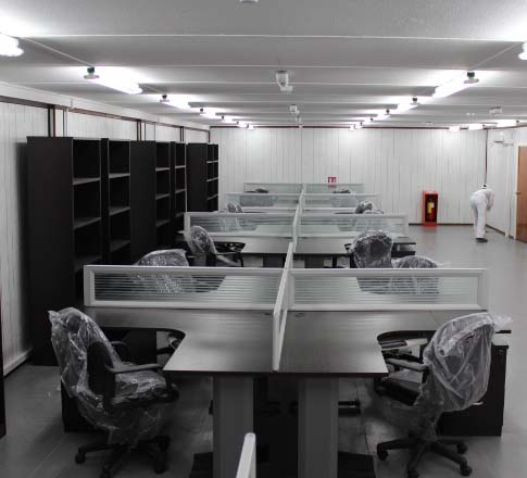 Oversea project qatar office desks guangzhou chuangfan for Home furniture suppliers in qatar