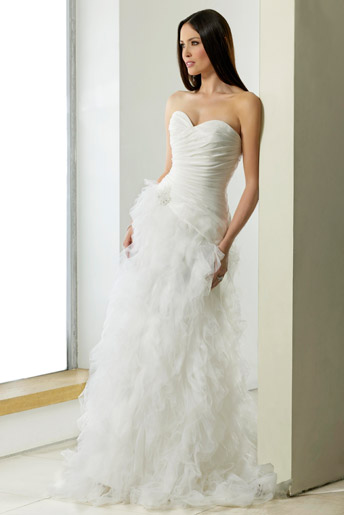 Ivory chiffon and tulle wedding gown from Berketex Bride Suzhou