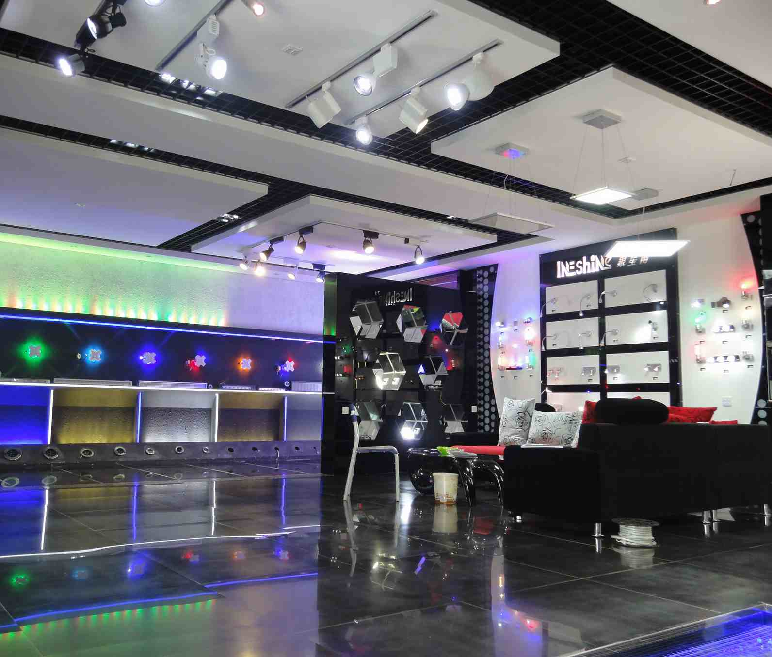 lighting display showroom images. Black Bedroom Furniture Sets. Home Design Ideas