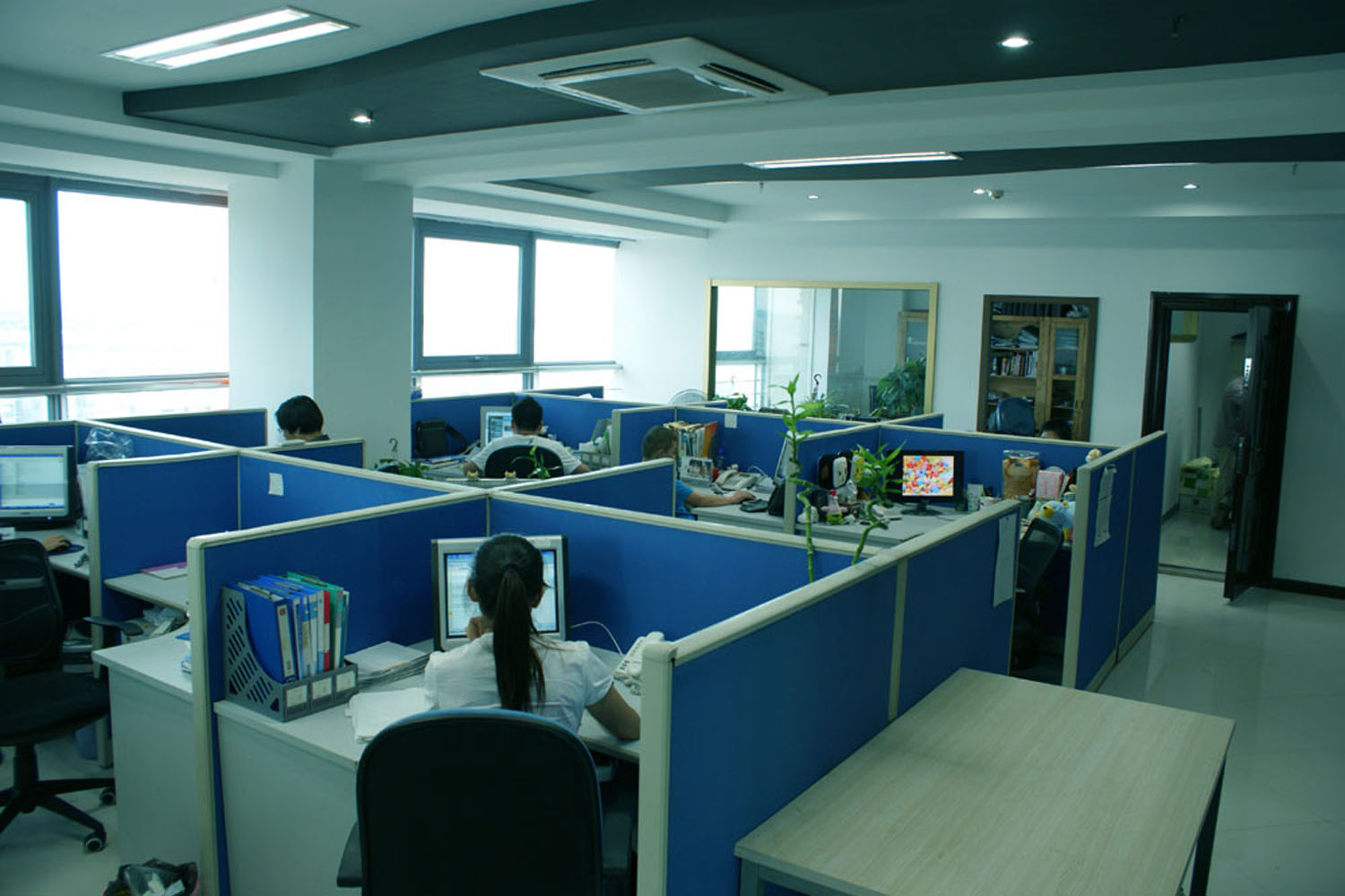 Working area ningbo f t z dac arts crafts for Office working area design