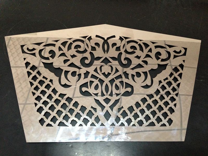 500W fiber laser cutting machine cut 1mm stainless steel sample