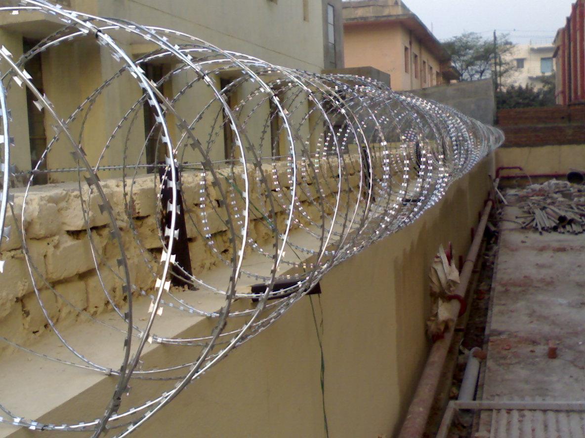 Security razor wire fencing anping fuhua mesh